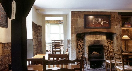 Cosy Country Inn near Bath